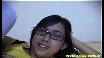 Exclusive Scene Janet Filipino Amateur Teen Babe Massive Tits Glasses